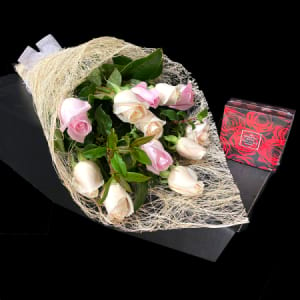Soft and Sweet Boxed Roses